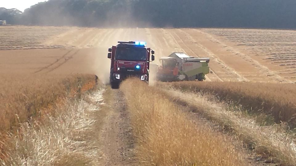13 Fire crews tackle two field fires in West Suffolk