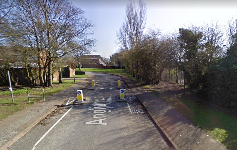 16-year-old boy tripped and kicked in an attempted robbery in Bury St Edmunds