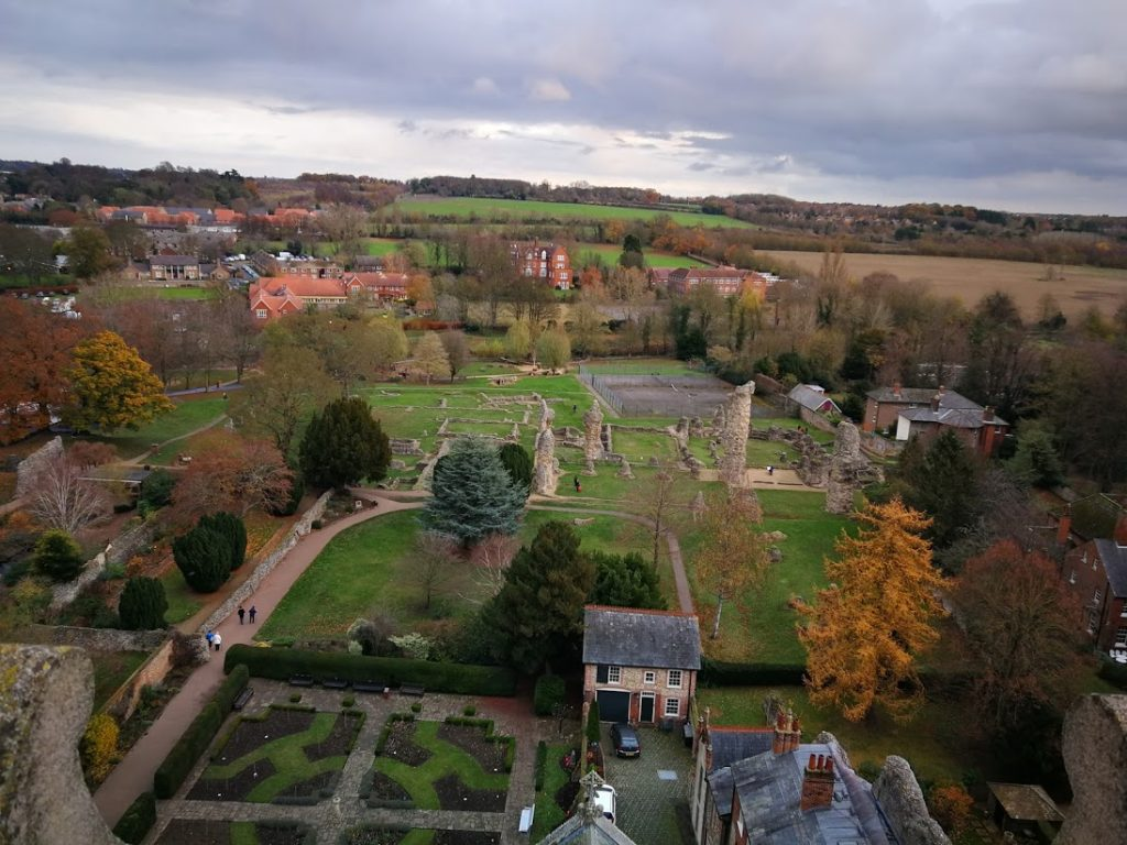 Abbey Gardens and Abbey Ruins named fifth most popular free location in England