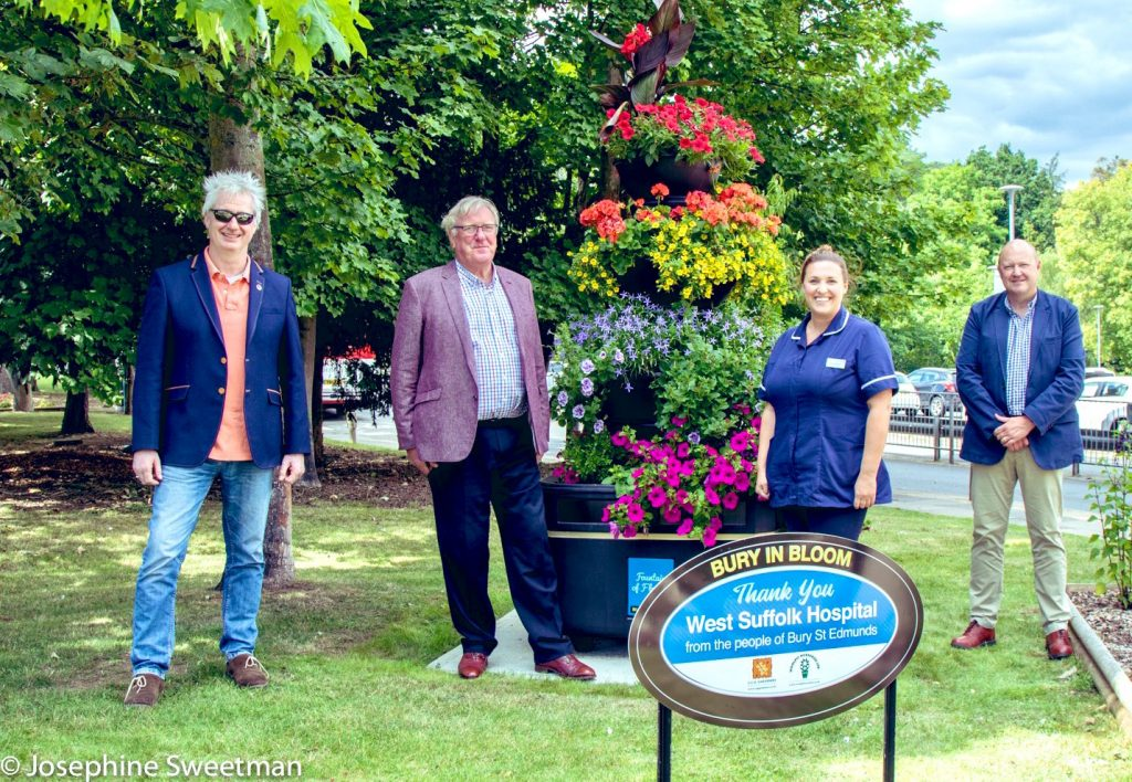 Giant floral 'thank you' unveiled at West Suffolk Hospital