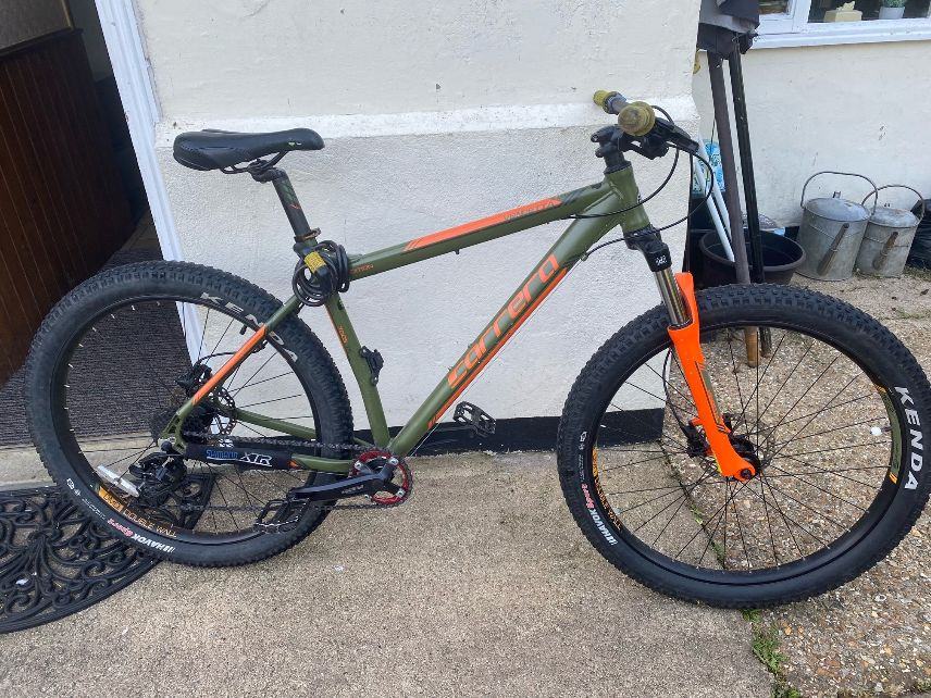 Bicycle stolen from outside a shop in Bury St Edmunds